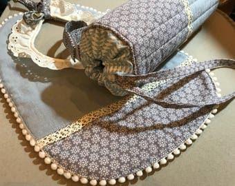 Birthday gift: insulated bottle bag and matching bib
