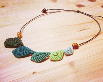Nature macrame necklace leaf and amber