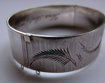 Vintage Sterling Silver Bangle / Bracelet - made by Bracelon of Birmingham 1977 - 44.1g