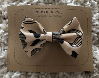 Clip on bow tie - moustache