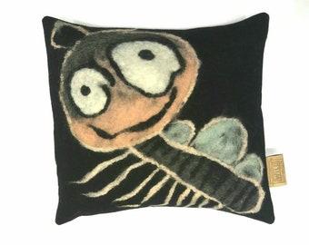 Cushion, Handgevilt, approx. 50/50 cm.