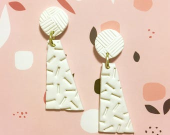White pattern Dangles + yellow O ring