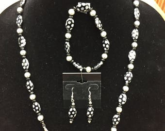 "Black and Silver 28"" Beaded Necklace Bracelet & Earring Set"