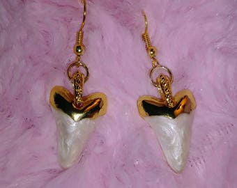 Gold Topped Pearl Swirl Sabertooth Earings