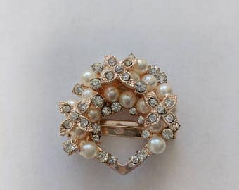 Elegant scarf ring