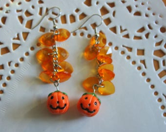 Vintage Pumpkin Dangle Earrings |  Halloween, Fall, Autumn Jewelry, Jack O' Lanterns, Pumpkins | Collectible Gift Idea |