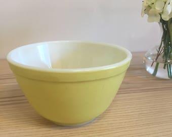 Vintage Pyrex Small Mixing Bowl // Yellow // 1 1/2 PT