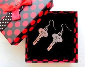 Earrings in the form of keys, earrings with keys, metal earrings, fashion earrings, gift for mother's day, women's earrings, men's earrings