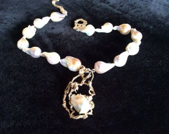 "Large baroque pearls 19"" Necklace"