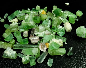 180.95 CT Unheated & Natural Pink and Green Tourmaline Rough Lot