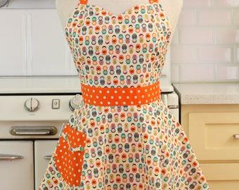 The BELLA Vintage Inspired Russian Nesting Dolls Matryoshka Full Apron