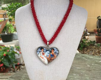 Frida Kahlo 'Las dos Fridas' Red Seed Bead Heart Necklace