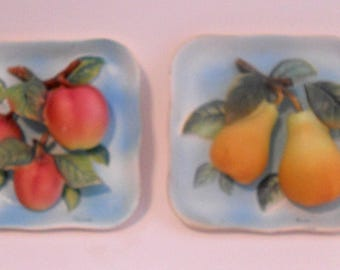 Pair of Vintage Napco Ceramic Fruit Wall Plaques, Apple & Pear Wall Plaques, 3D Plaques, 1950s Kitchen Decor, Japanese Ceramic, Kitsch
