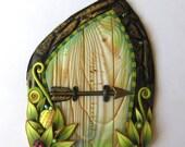 Arrow Fairy Door Handmade Pixie Portal Miniature Fairy Garden Decor Tooth Fairy Entrance with an Elf Bolt and a Ladybug