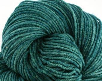 Hand Dyed Aran weight mini Empire Rambouillet Wool 213 yds 4oz Emerald