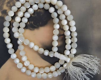 Vintage Mother of Pearl Necklace Beads Round