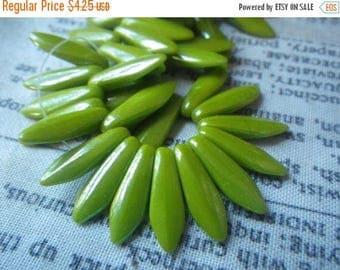 SALE 30% Off Wasabi Green Long Glass Dagger Beads 5x15mm 50 Pcs