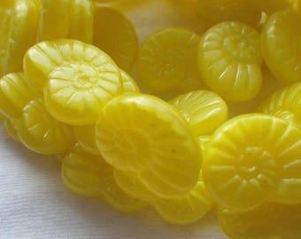 SALE 30% Off Lemon Yellow Translucent 13x17mm Glass Nautilus or Snail Beads 10 Pcs