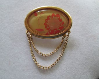 Avon vintage gold peony flower cameo brooch pin with dangling chain