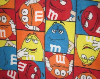 M & M Fleece No-Sew Blanket