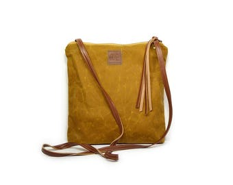 weekdayer • waxed canvas crossbody bag • bourbon brown waxed canvas - neutral every day bag - iPad bag - boho - summer