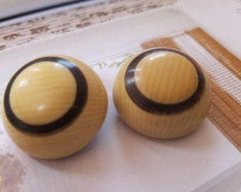 Vintage Buttons - Mid Century Modern lot of 2 large  novelty black and cream matching, old and sweet, celluloid (aug 269 17)