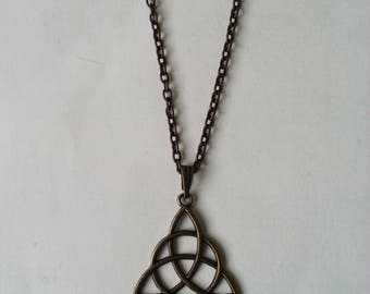 Celtic triquetra pendant - antique