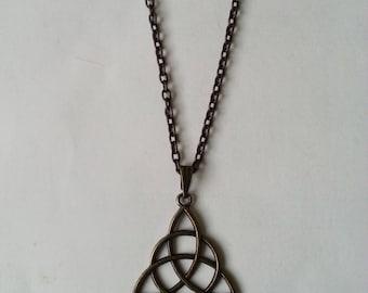 Celtic triquetra pendant - antique