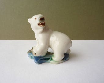 Polar Bear from the Wade Whimsies Polar Animals Series 1956 - ceramic animal figurine - Set 6 - First UK Whimsies