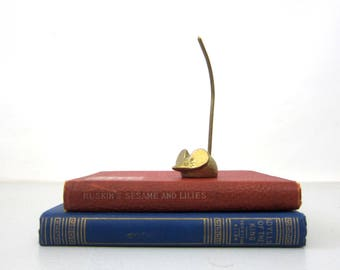 Tiny Gold Mouse Vintage small brass mouse with Long Tail Mid Century Collectible Shelf Sitter Bookshelf Decor