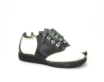 Vintage black and white saddle shoes Preppy Hipster Indie Girl Vintage Lace Up Shoes Retro Women's Rockabilly Shoes Size 7.5