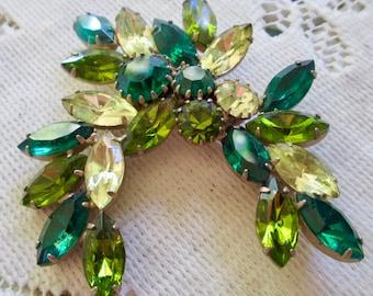 Vintage Elegant Green Glass Navette and Round Rhinestone Brooch  & Pin
