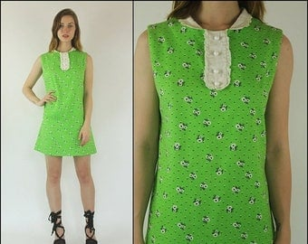 SUMMER SALE Vintage 60s Mod Floral Preppy Gogo Scooter Boho Kelly green white Sleeveless Cotton Shift Mini dress XS S