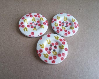 1.5 inch buttons - Red little flowers wooden sewing buttons - set of 3