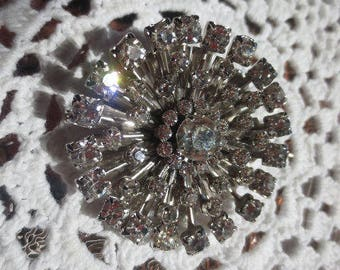 Vintage Rhinestone Brooch Snowflake Starburst Clear Silver Pin Retro Regency Jewelry