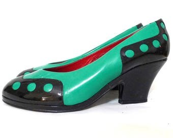 Vintage 80s does 40s 20s 4 Cartoony Blondie Dagwood Cuban Heel Pumps Shoes. Black Patent Leather & Light Green US W 7 to 6 1/2 Spain Made