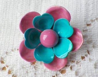Small Vintage Retro Metal Bubblegum Pink and Turquoise / Aqua Flower Brooch / Pin