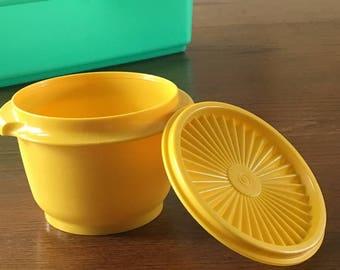 Yellow Tupperware Bowl, 20 oz Servalier Bowl, Tupperware Servalier Bowl with Sunburst Lid/Seal, Tupperware 886, Seal 812