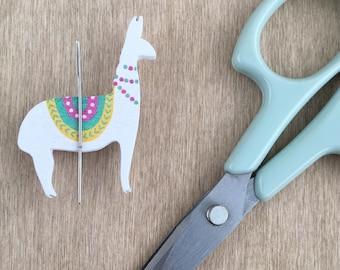 Magnetic Needle Minder | Wooden Llama