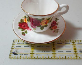 Old Country Roses Miniature Teacup & Saucer