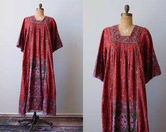 Vintage 70s Indian Cotton Dress - 1970s Red India Tunic Gauze Cotton Metallic Kaftan Dress - Jugnu Dress