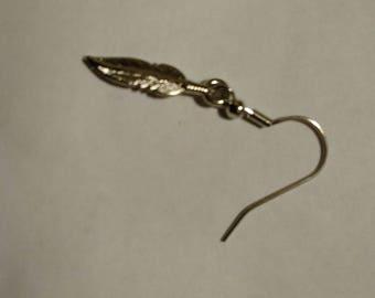 Small Silvertone Feather Earrings