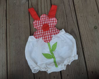 red daisy baby outfit vintage 1970s gingham flower overall one piece suit romper jumper 3-6 months