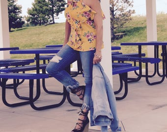 Gorgeous bright yellow floral top by Gina Louise