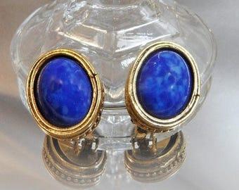 SALE Vintage Blue Lapis Lazuli Earrings. Glass Faux Lapis Lazuli Earrings.