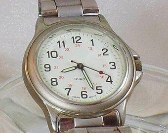 SALE Vintage Advance Puritan Men's Watch. Silver Puritan by Citizen Men's Watch.