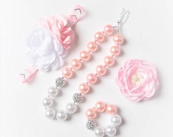 Light Pink necklace, white bubblegum necklace, little girl necklace, chunky bead necklace, bubble gum necklace, toddler necklace baby girl