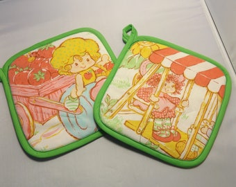 Strawberry Shortcake   Pot Holders -Set of 2      Handmade  American Greetings