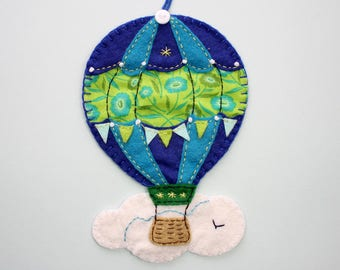 Hot air balloon ornament, felt hot air balloon decoration, felt Christmas ornament, nursery decor, hot air balloon feltie