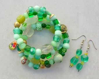 "Great Greens Memory Wire Bracelet, Aquamarine, Jade, Glass, Crystal, Fluorite, Ceramic, Gold Beads, One Size,""Greenery"" Set by SandraDesigns"